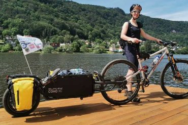 Burley Coho XC- The Best Mountain Bike Trailer for Outdoor